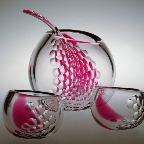 Přátelská souprava bowle– JIŘÍ KUBÍČEK, JAROSLAV KADLEC, hutně tvarované a broušené sklo, 30×30cm
