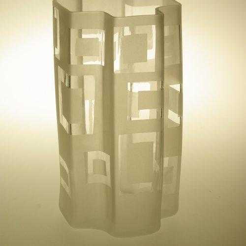 Váza– KATEŘINA BARCÍKOVÁ, hutně tvarované a pískovanésklo