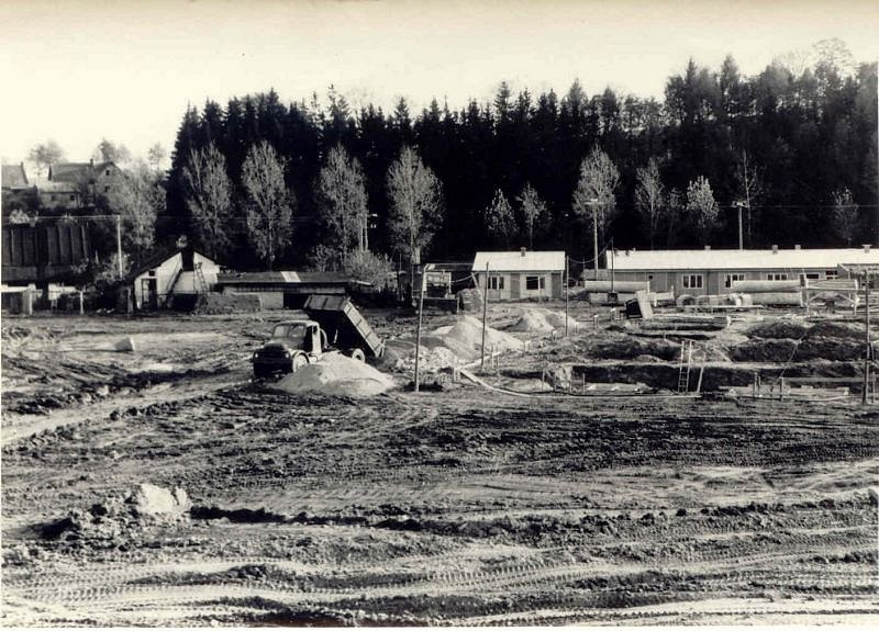 Staveniště budoucího areálu školy