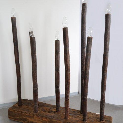 STOJACÍ LAMPA - Ivana Řeháčková, dřevo, 85 x 25 x 100 cm, pod vedením Ing. Lady Slavíčkové a MgA. Andrey Vokřálové