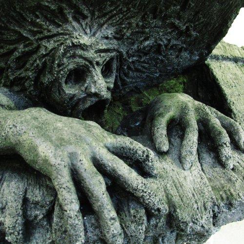 STRACH - Nicolas Vrána, patinovaný beton, pod vedenim MgA.Marka Škubala
