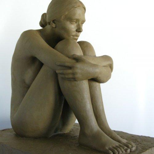 FIGURÁLNÍ STUDIE  – Ondřej Navrátil, sochařská hlína, 65 x 59 x 47 cm,  pod vedením MgA. Marka Škubala, Ph.D.