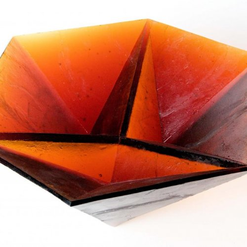 FLOWER MERCEDES, MgA. Aleš Jírovec, skleněná tavená plastika, 40 x 40 x 20 cm