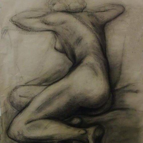 ODPOČÍVAJÍCÍ - MgA. Martina Klimošová, kresba uhlem, 110 x 180 cm