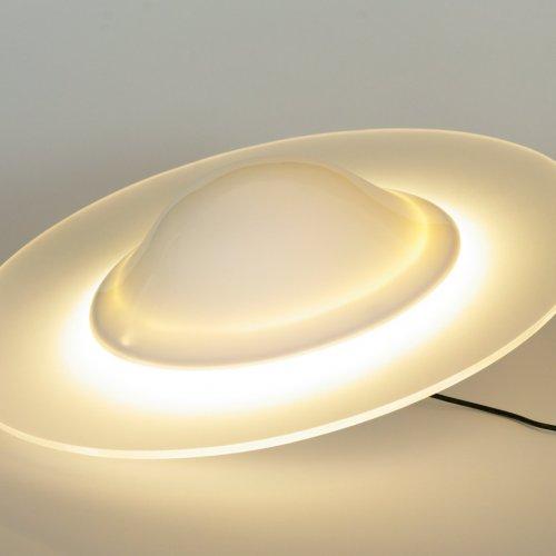 UFO - MgA. Martina Klimošová, plast a plexisklo, Ø 36,5 x 16 cm