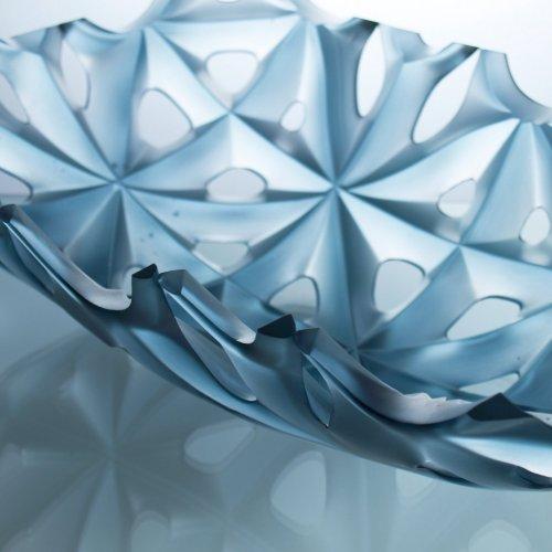 NEGATIVE BLUE - detail - MgA. Milan Krajíček, tavené a lehané sklo, 49 x 32 x 14 cm