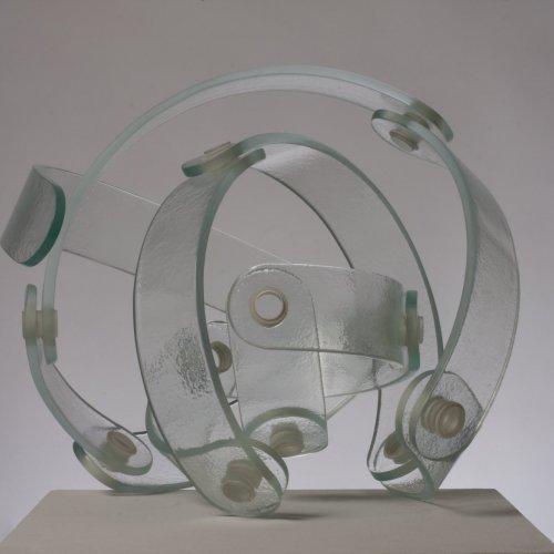 NE-ŘÁD, MgA. Anna Musilová, lehané a lepené sklo, 50 x 48 x 45 cm