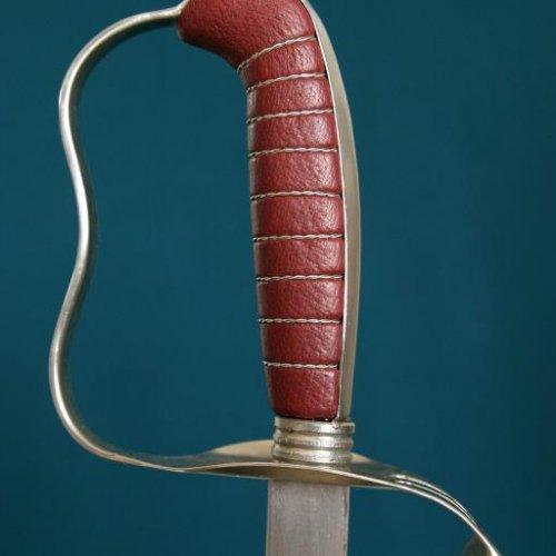 Detail kopie historické šavle - akad. soch. JAN TOMEŠEK