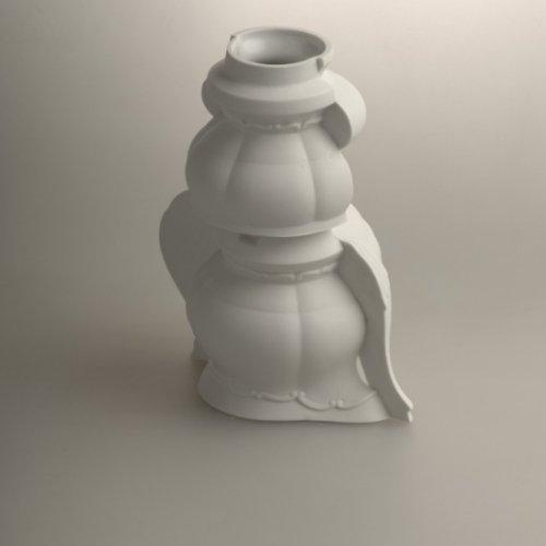 METAMORPHOSIS – MgA. Michael Franče, porcelán, 10 x 12 x 15 cm