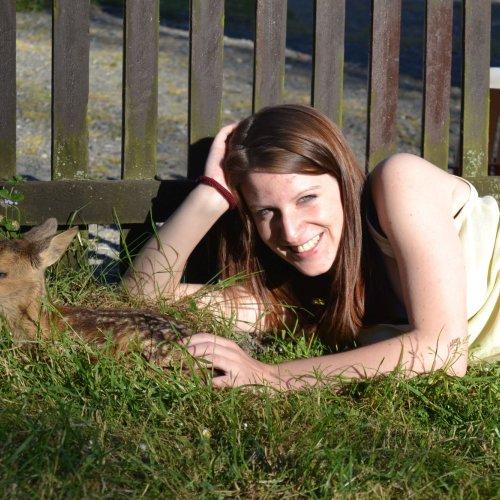 Ve Stanici na nás čekala jarní nadílka mláďat, která přišla vinou člověka (či nepřízně osudu) o rodiče. Největší mazlíček byl samozřejmě malý srneček Bambi.