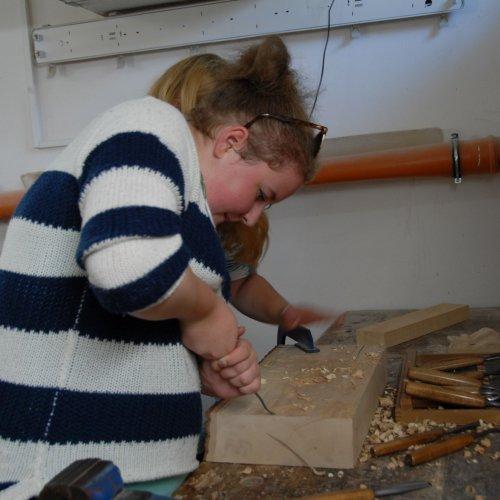 I práci se dřevem si každý zkusil