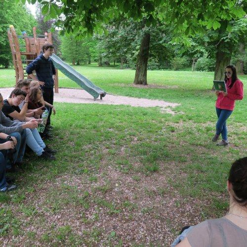 S dětmi jsme se o minutu minuly, tak než jsme se našly, mohlo se leccos vyzkoušet s improvizovaným publikem. :-)