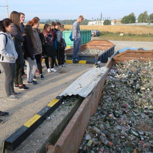 Hned po ránu jsme navštívili areál Skládky a sběrného dvora TBS Světlá n. S. v Rozinově.