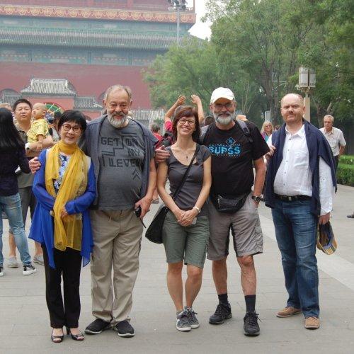 Účastníci festivalu na jednom z výletů