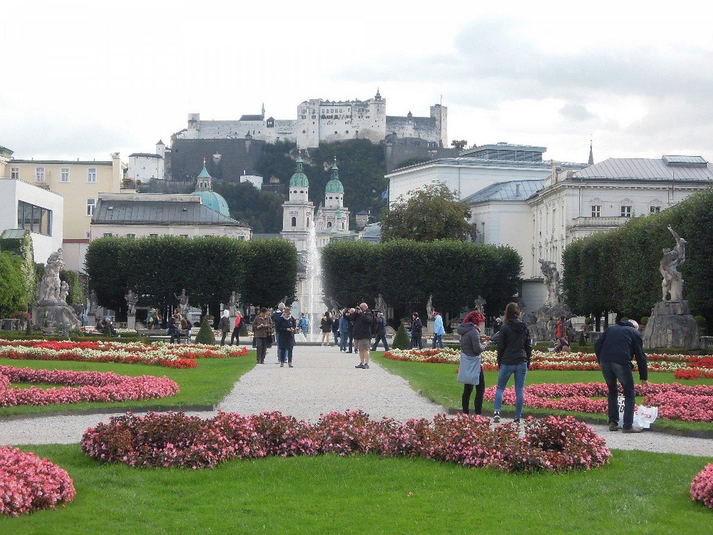Poslední pohled na Salzburg a jeho pevnost