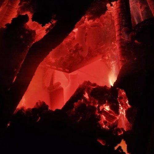 milíř v ohni