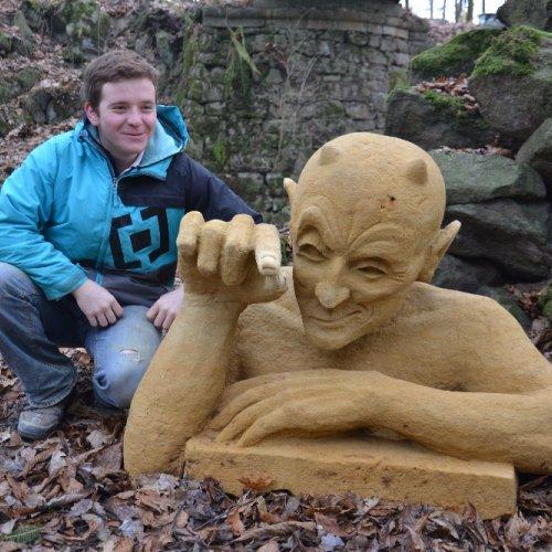 Nicolas Vrána a jeho socha Peklo chce tebe!