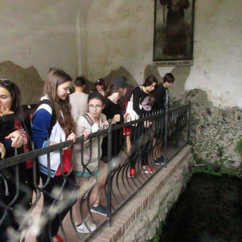Zastavili jsme se také u pramene svatého Ivana, ale do jeho jeskyně jsme se bohužel nedostali. Tak příště.