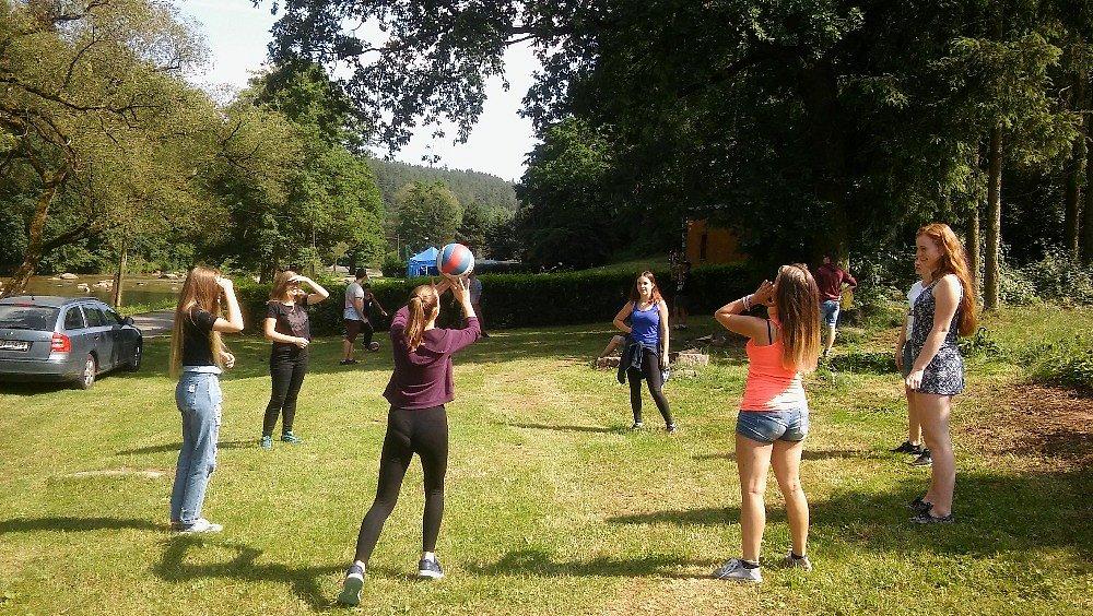 Na Stvořidlech jsme hráli volejbal…