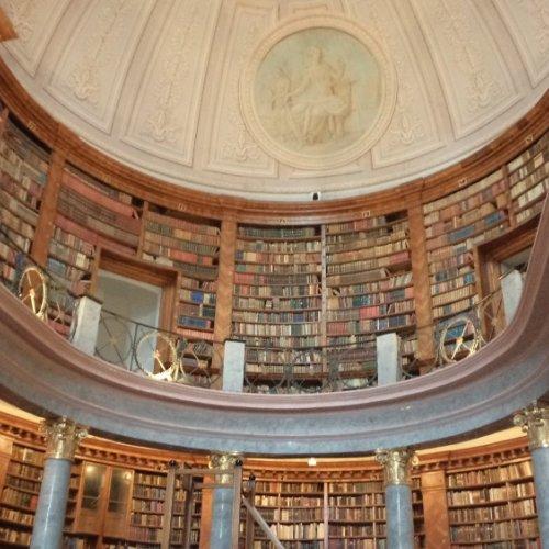 Pannonhalma benediktínské arcibiskupství sv. Martina knihovna
