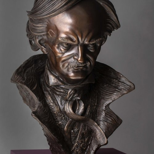 Marek Skubal, Edgar Allan Poe, bronz, 61cm, 2019, foto Marcel Rozhon