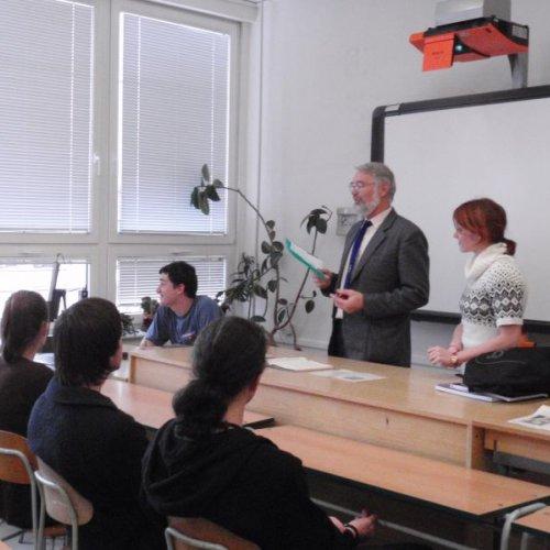 Sprací vprojektu nás seznamoval nejen pan profesor Filip, ale isami studenti. Odvezli jsme si spoustu zajímavých poznatků a velkou porci nadšení.
