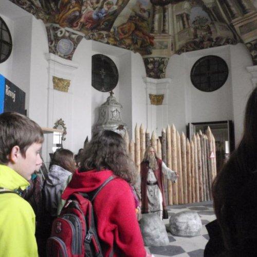 V Muzeu se konala výstava inspirovaná pověstmi z českých dějin a tak jsme se hned ve vstupu setkali s některými postavami z naší historie.