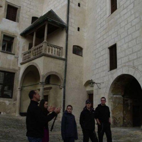 Zatím poslední akcí byla návštěva hradu v Ledči nad Sázavou. Doprovázeni kastelánem hradu – panem Luďkem Šímou jsme si nejprve prohlédli exteriéry hradu, založeného ve druhé polovině 13. století...