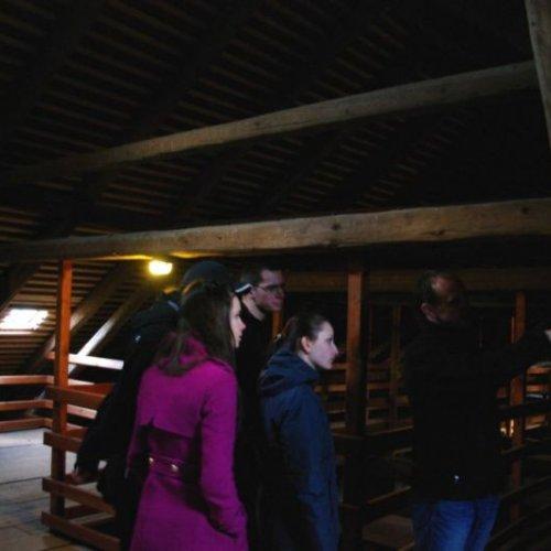 """Skvělou částí celé prohlídky byla návštěva podstřešních prostor """"velkého paláce"""". Kolik zajímavých detailů jsme tam viděli na vlastní oči..."""
