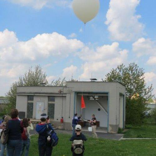 Sledujeme vypuštění meteorologické sondy