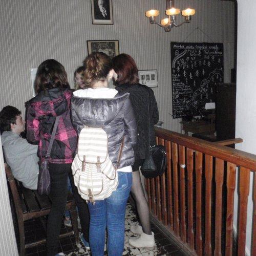 Při návštěvě Muzea Policie nás čekala velice rozsáhlá expozice. V jedné části jsme třeba mohli navštívit interiér četnické stanice z doby rady Vacátka,…
